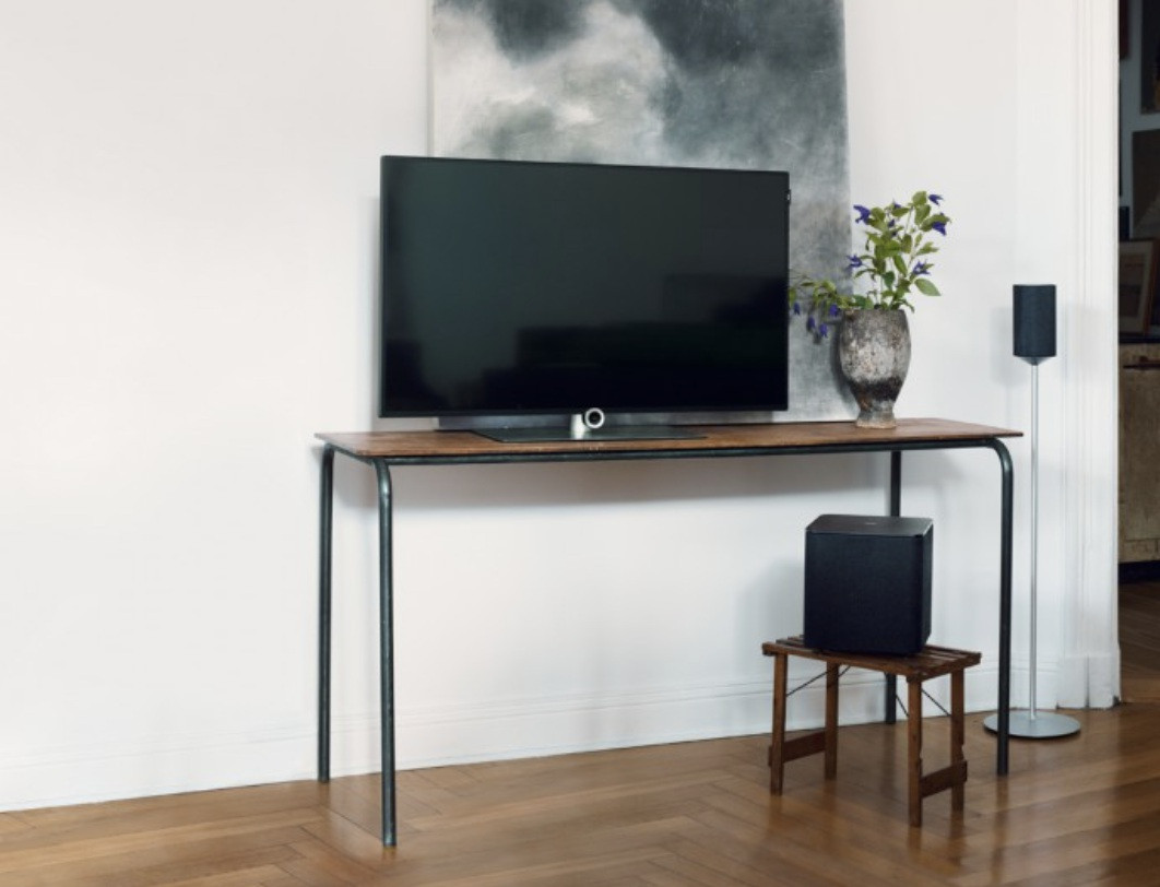 loewe fs klang 1 floor stand satellite speaker. Black Bedroom Furniture Sets. Home Design Ideas